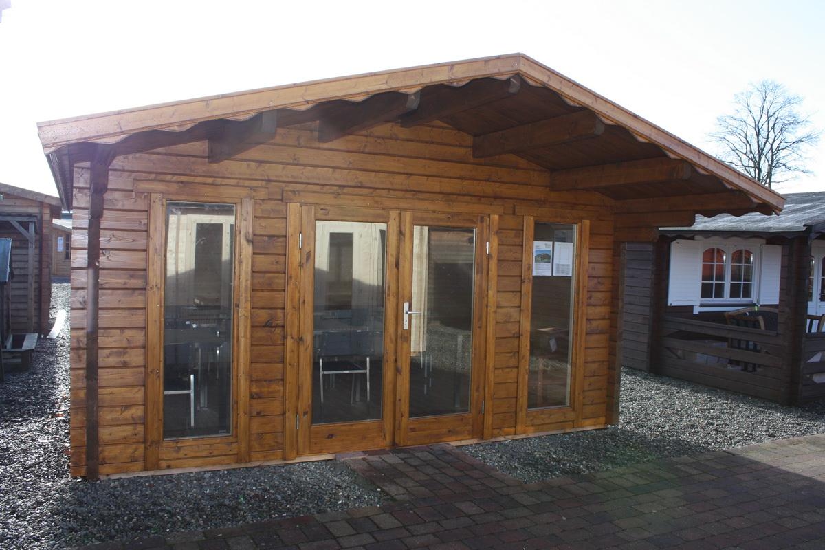 gartenhaus mit boden 470x470cm 70mm bohlen iso panoramafenster. Black Bedroom Furniture Sets. Home Design Ideas